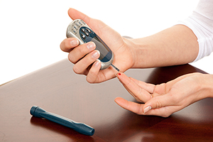 Diabetics more likely to experience high blood sugar after joint surgery